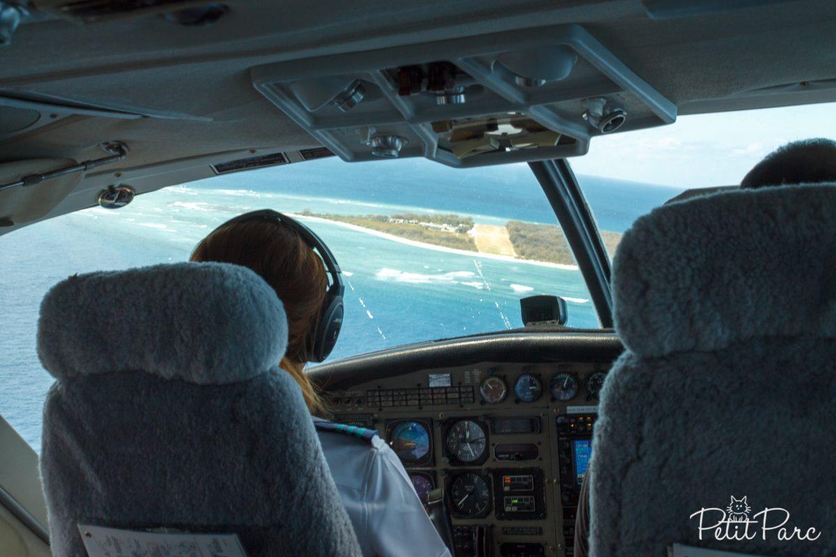 En vue de la piste d'atterrissage