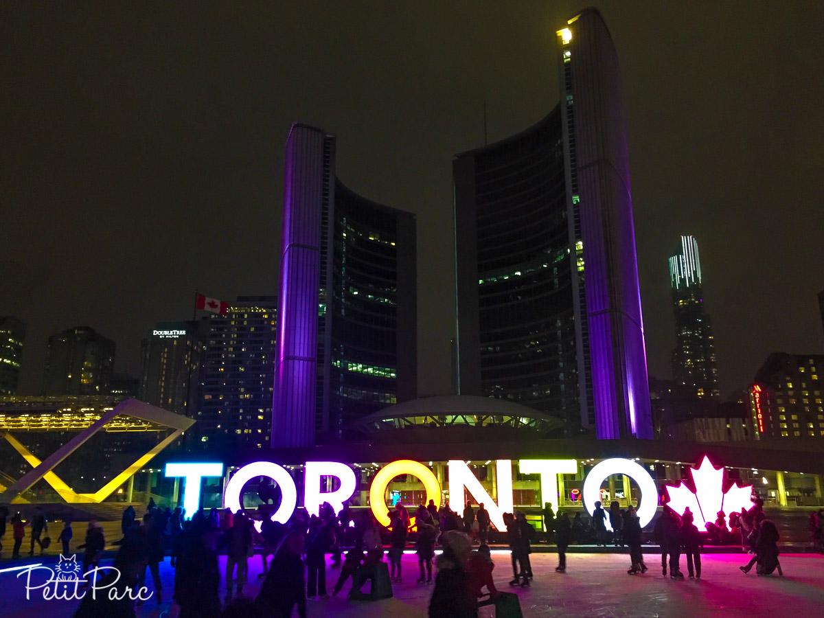 Patinoire de l'Hôtel de Ville à Toronto