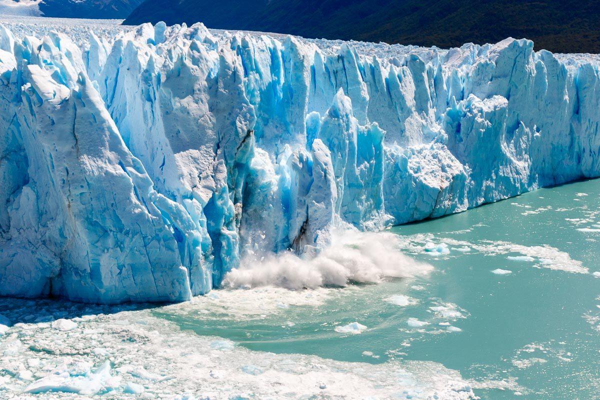 Bloc glace détaché du glacier
