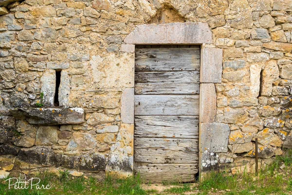 Détail de la porte d'une cave