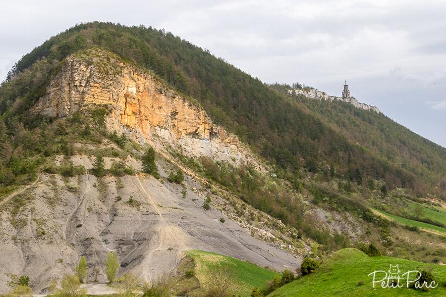 Vue sur le piédestal de Fontaneille